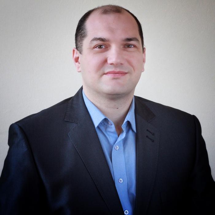 Євген Олійник
